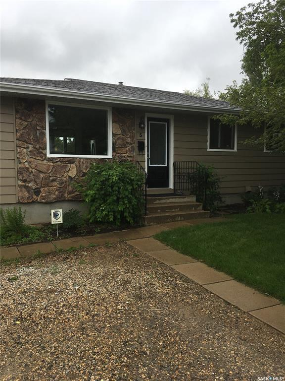 5 Mcgee Crescent, Saskatoon, SK S7L 4M6 (MLS #SK781400) :: The A Team