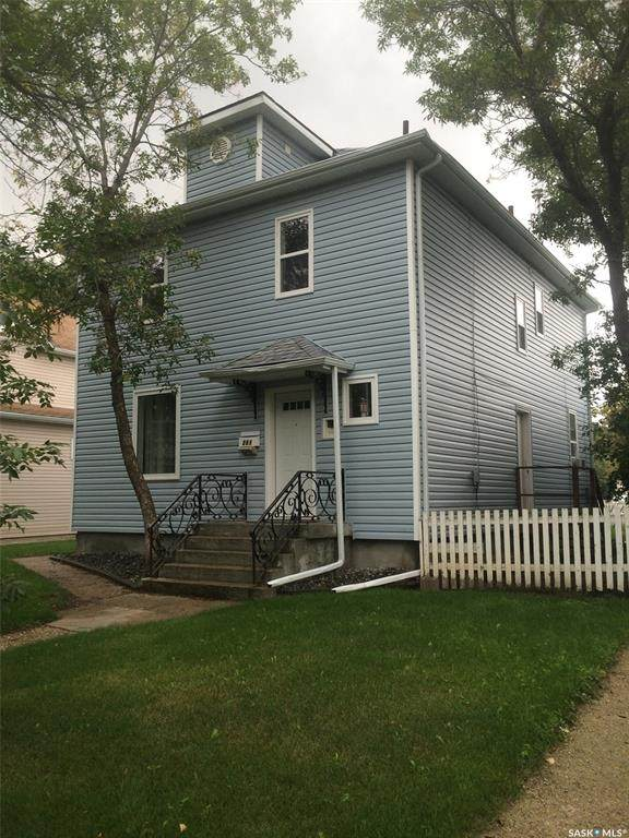 261 Stadacona Street W, Moose Jaw, SK S6H 1Z4 (MLS #SK793383) :: The A Team