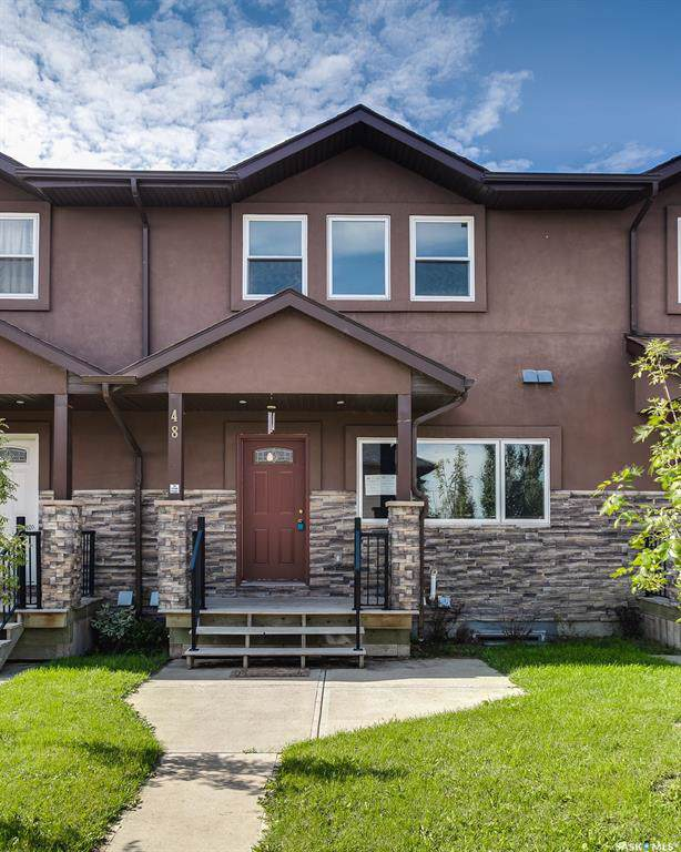 1703 Patrick Crescent #48, Saskatoon, SK S7W 0L6 (MLS #SK793758) :: The A Team