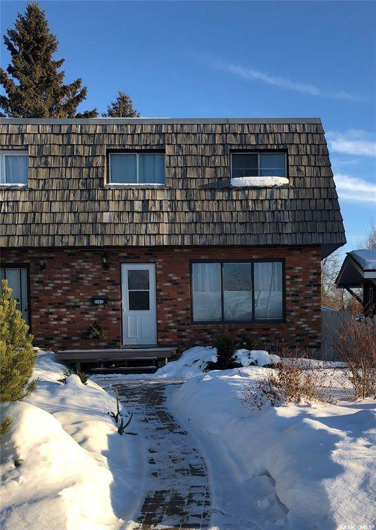 2002 Foley Drive A, North Battleford, SK S9A 3G9 (MLS #SK798904) :: The A Team