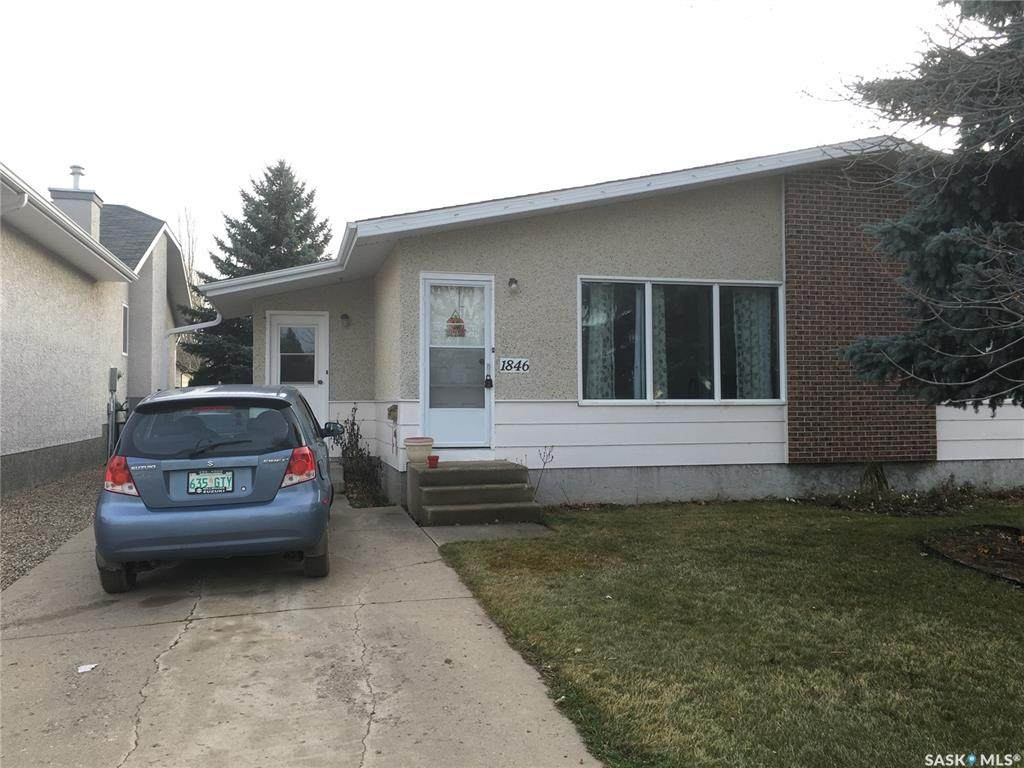 1846 Eaglesham Avenue - Photo 1