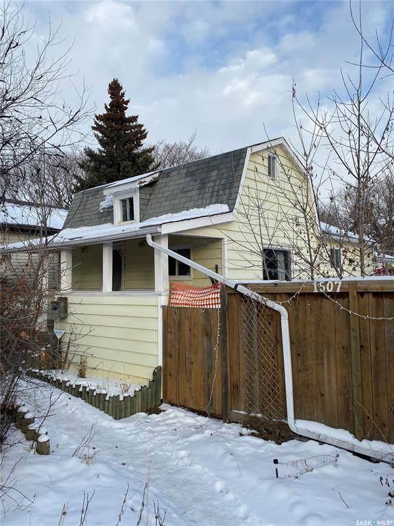 1507 Coy Avenue, Saskatoon, SK S7M 0H5 (MLS #SK804005) :: The A Team