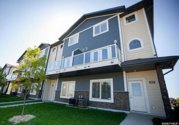 212 Willis Crescent #208, Saskatoon, SK S7K 0R3 (MLS #SK804256) :: The A Team