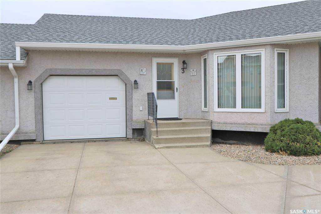 66 Russell Drive - Photo 1