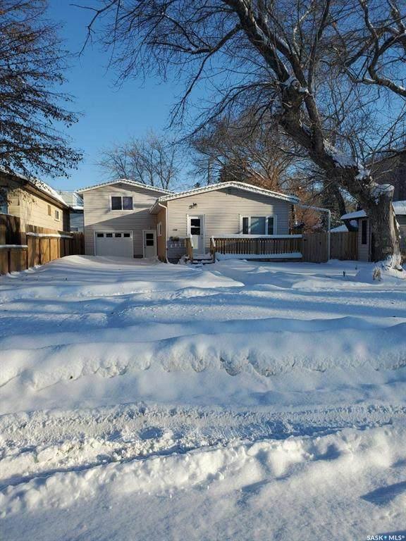 1340 E Avenue N, Saskatoon, SK S7L 1T5 (MLS #SK834202) :: The A Team