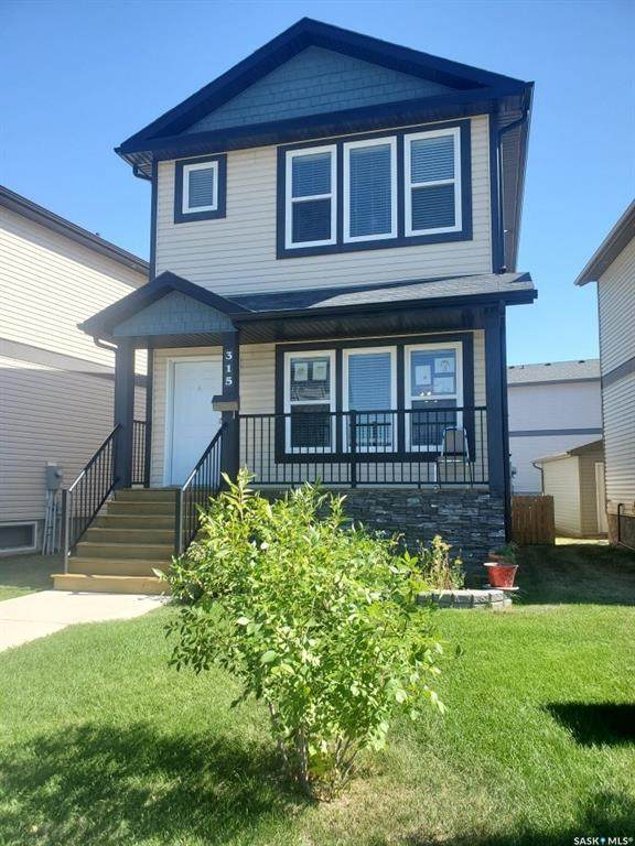 315 Hampton Circle #315, Saskatoon, SK S7R 0J7 (MLS #SK844502) :: The A Team
