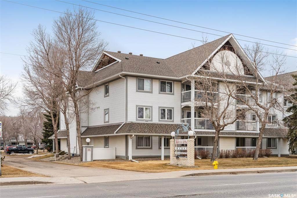 960 Assiniboine Avenue - Photo 1
