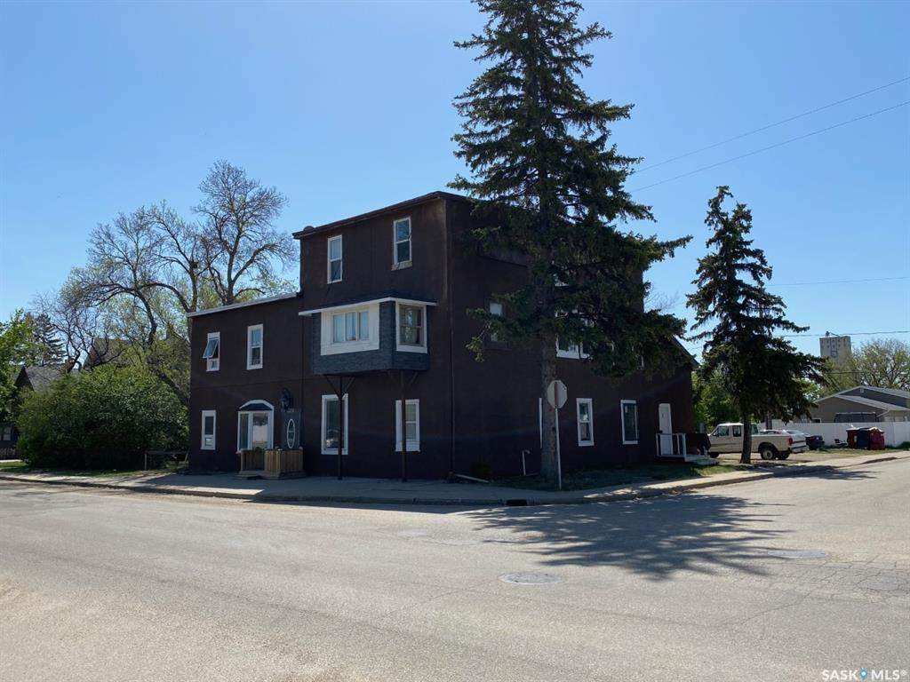 575 Athabasca Street - Photo 1