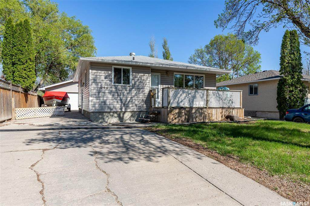 298 Magee Crescent - Photo 1