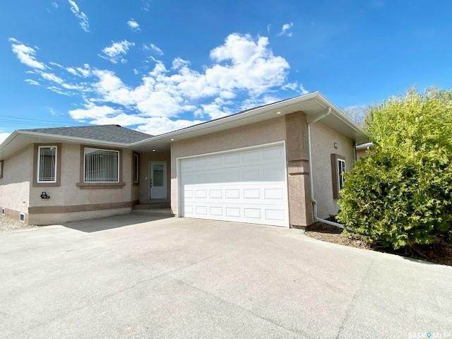 104 2nd Avenue SE, Swift Current, SK S9H 3H9 (MLS #SK868367) :: The A Team