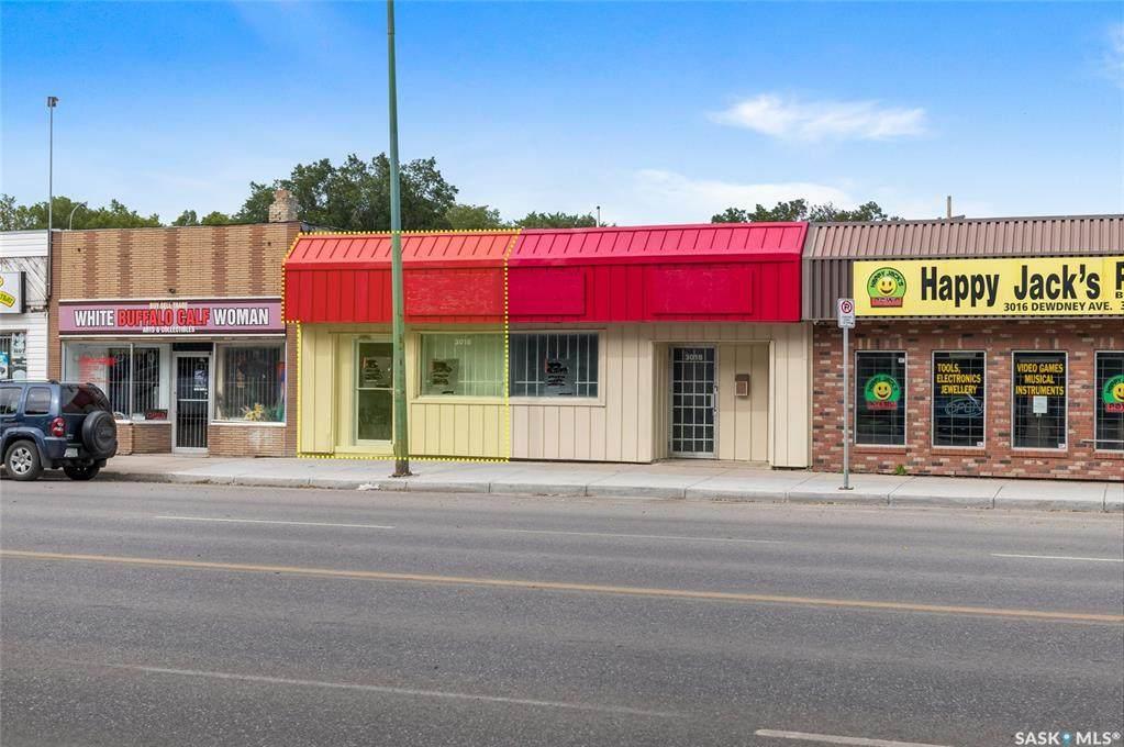 3018 Dewdney Avenue - Photo 1