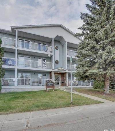 918 Argyle Avenue #101, Saskatoon, SK S7H 2W1 (MLS #SK874772) :: The A Team