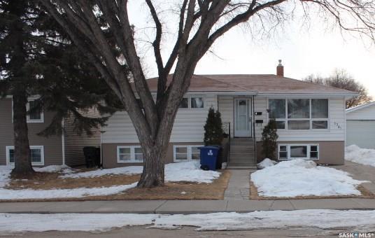 1712 E Avenue N, Saskatoon, SK S7L 1V4 (MLS #SK723569) :: The A Team
