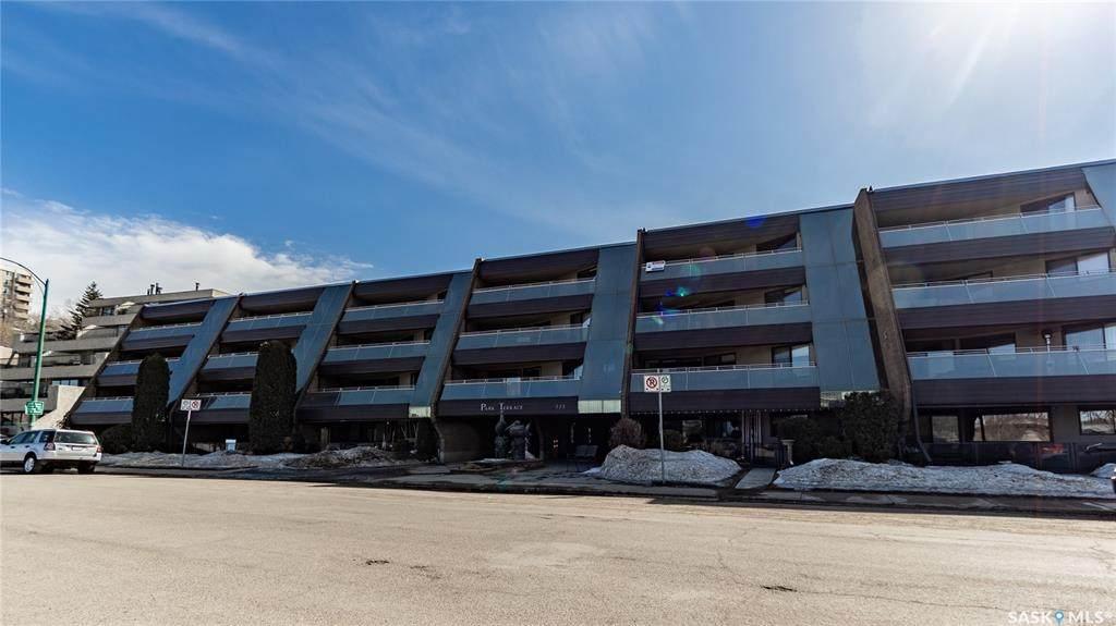 222 Saskatchewan Crescent - Photo 1