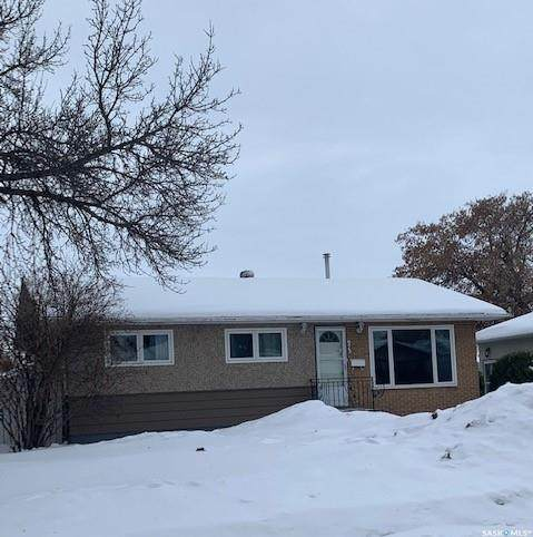 975 1st Street E, Prince Albert, SK S6V 0C5 (MLS #SK842255) :: The A Team