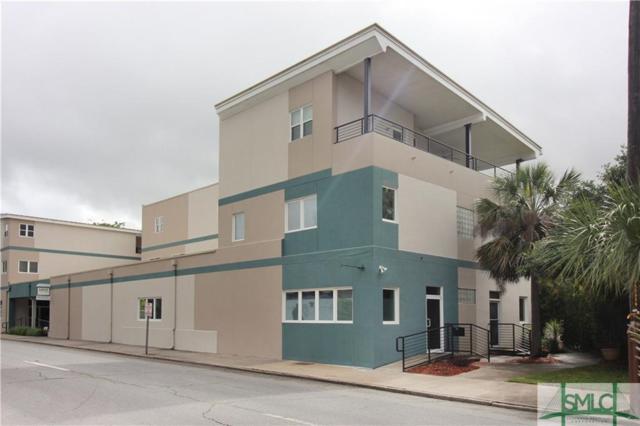 2424 Drayton Street, Savannah, GA 31401 (MLS #192130) :: Coastal Savannah Homes