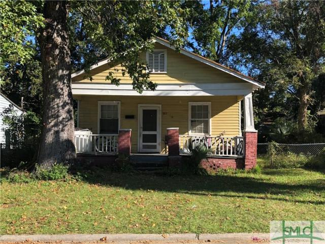 922 W 42nd Street, Savannah, GA 31415 (MLS #198448) :: McIntosh Realty Team