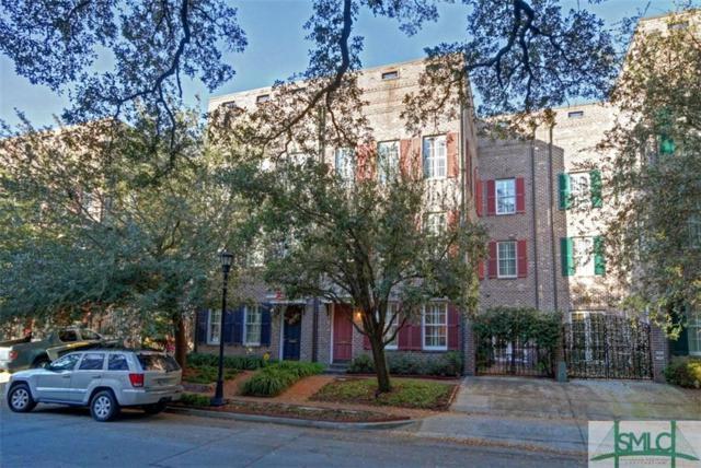 412 E Mcdonough Street, Savannah, GA 31401 (MLS #201813) :: Karyn Thomas