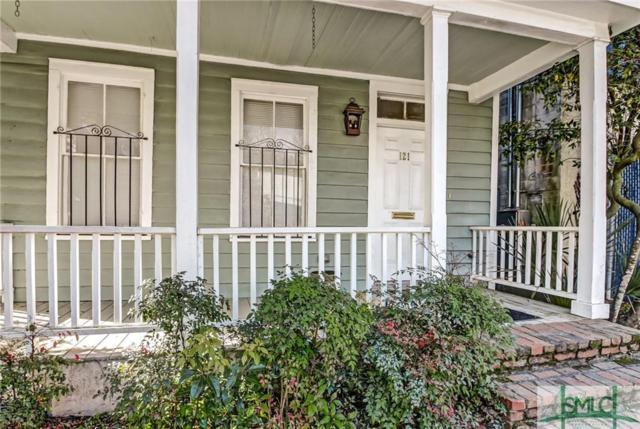 121 E 32nd Street E, Savannah, GA 31401 (MLS #203628) :: Karyn Thomas