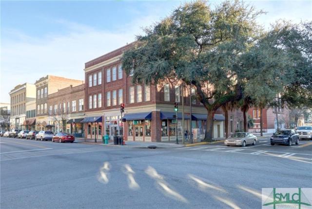 321 W Broughton Street, Savannah, GA 31401 (MLS #203837) :: Teresa Cowart Team