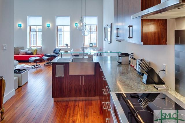 9 W York Street W, Savannah, GA 31401 (MLS #204235) :: Coastal Savannah Homes