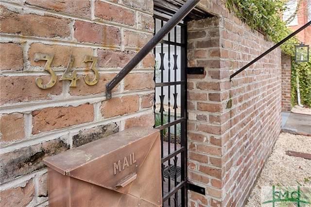 343 Tattnall Street, Savannah, GA 31401 (MLS #222614) :: The Arlow Real Estate Group