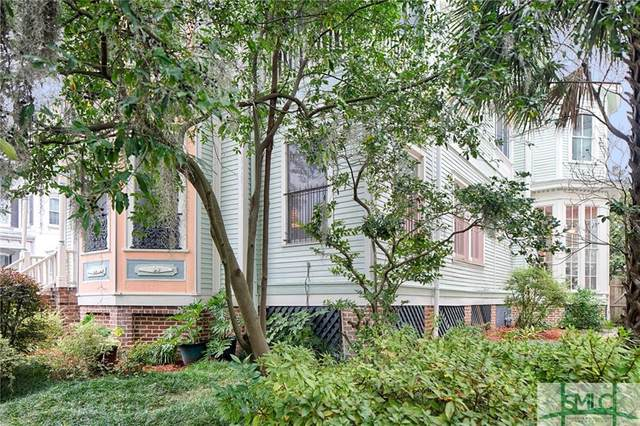 304 E Hall Street, Savannah, GA 31401 (MLS #222743) :: The Arlow Real Estate Group