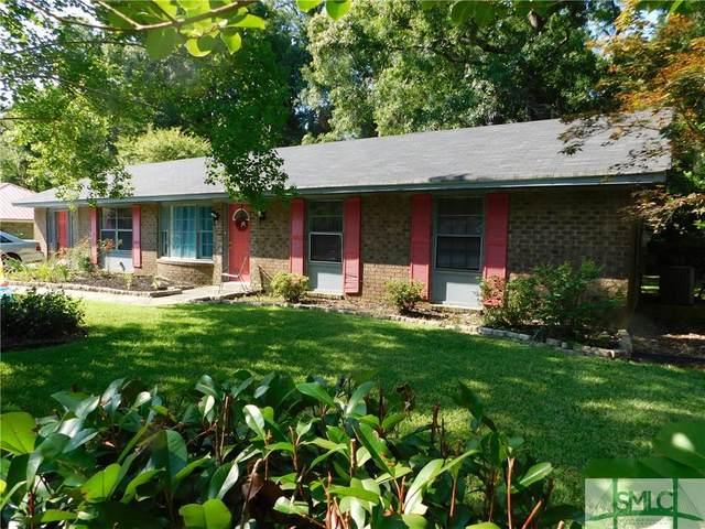 402 Floyd Street, Hinesville, GA 31313 (MLS #226801) :: Teresa Cowart Team