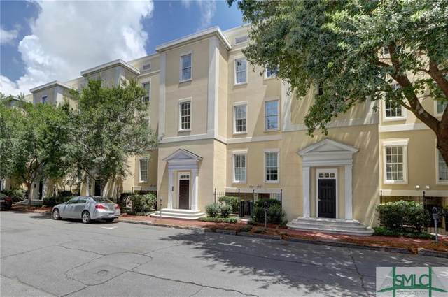 320 W Jones Street, Savannah, GA 31401 (MLS #229299) :: The Arlow Real Estate Group