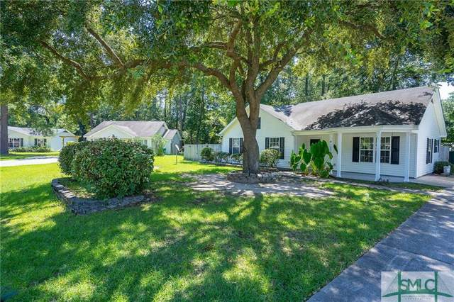 14 Pelican Circle, Beaufort, SC 29906 (MLS #230660) :: Partin Real Estate Team at Luxe Real Estate Services