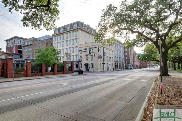 5 Whitaker Street #204, Savannah, GA 31401 (MLS #235625) :: Coastal Savannah Homes