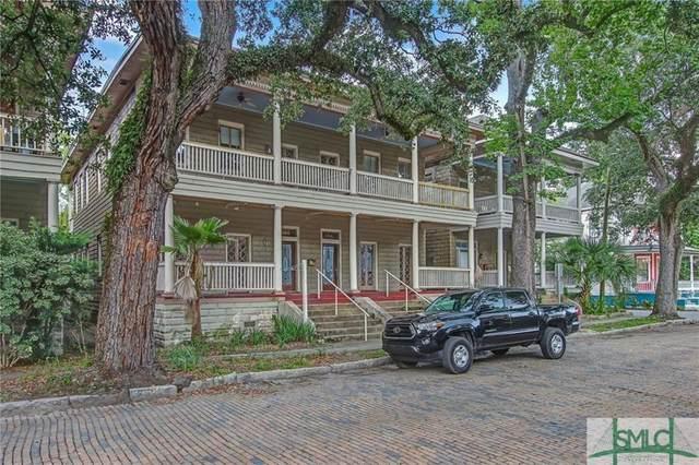 106 W 38th Street, Savannah, GA 31401 (MLS #244636) :: Liza DiMarco