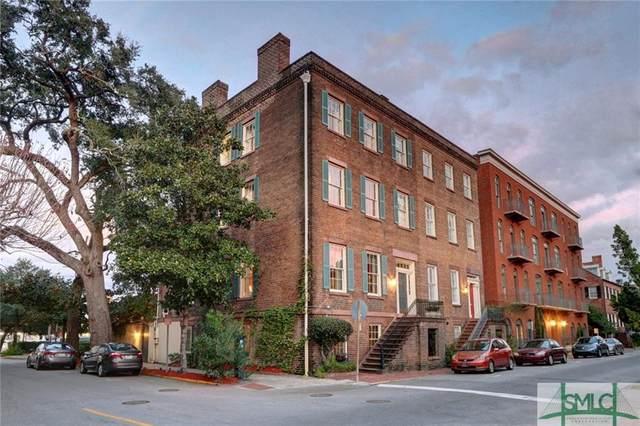 304 E State Street, Savannah, GA 31401 (MLS #244881) :: Liza DiMarco