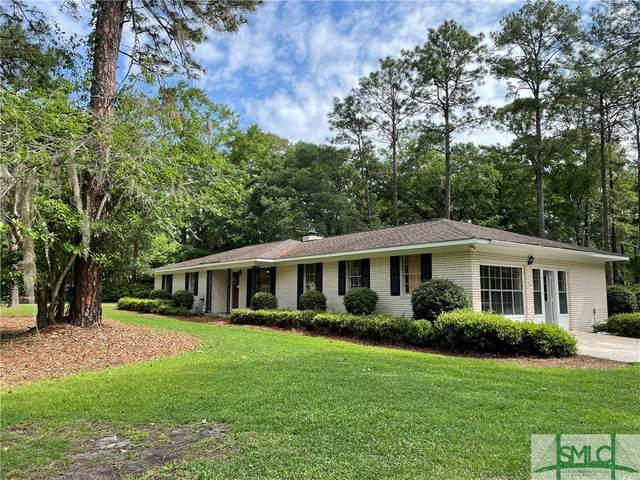 301 Lakeview Drive, Hinesville, GA 31313 (MLS #248079) :: The Hilliard Group