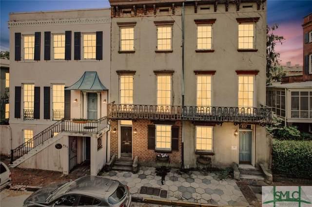 219 E York Street, Savannah, GA 31401 (MLS #253846) :: Teresa Cowart Team