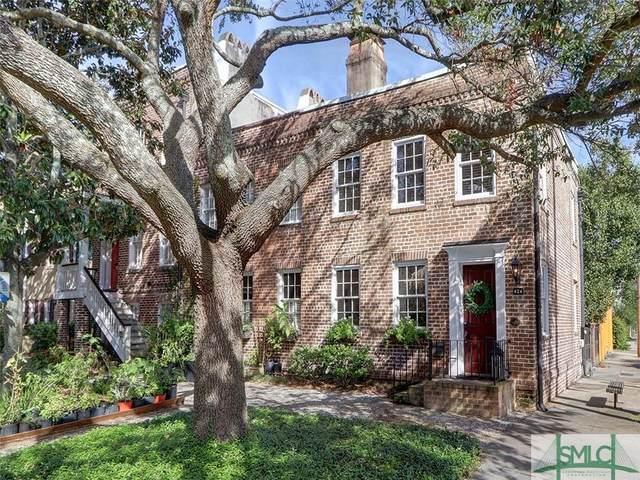 424 E Jones Street, Savannah, GA 31401 (MLS #256939) :: The Allen Real Estate Group
