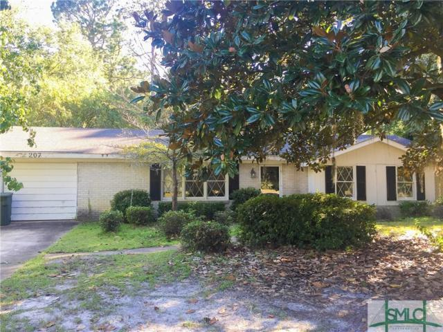 207 W General Stewart Way, Hinesville, GA 31313 (MLS #196816) :: Teresa Cowart Team