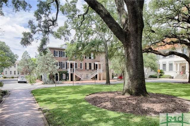 423 Barnard Street, Savannah, GA 31401 (MLS #229320) :: Liza DiMarco