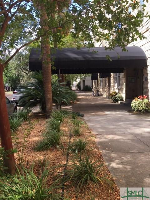 106 W Gwinnett Street, Savannah, GA 31401 (MLS #181237) :: The Arlow Real Estate Group