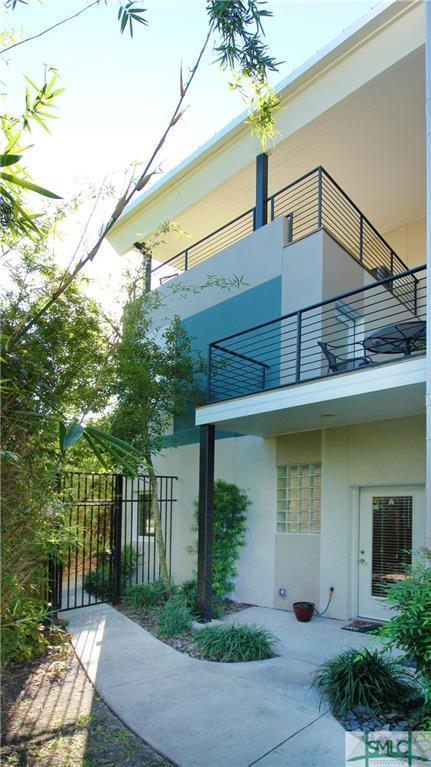 2424 Drayton Street, Savannah, GA 31401 (MLS #181809) :: Coastal Savannah Homes