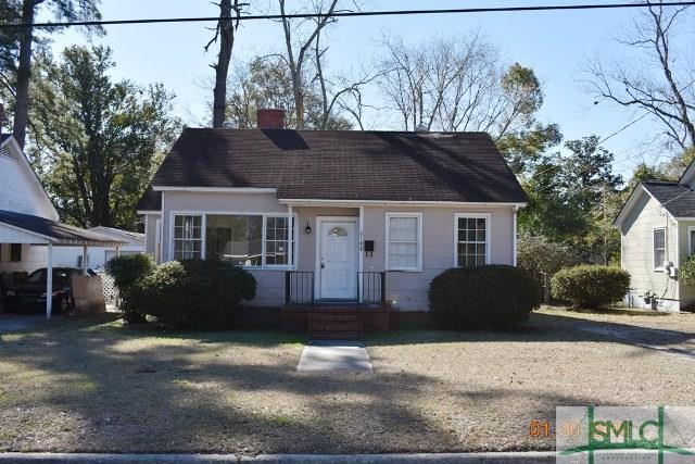 2145 New York Avenue, Savannah, GA 31404 (MLS #185012) :: Coastal Savannah Homes