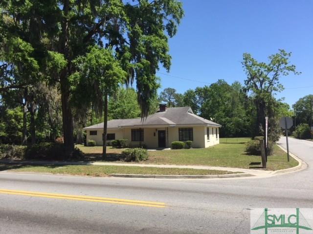 5108 Skidaway Road, Savannah, GA 31404 (MLS #188901) :: Coastal Savannah Homes