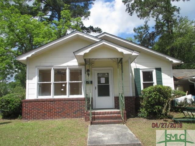 611 Atkinson Avenue, Savannah, GA 31404 (MLS #189819) :: Karyn Thomas