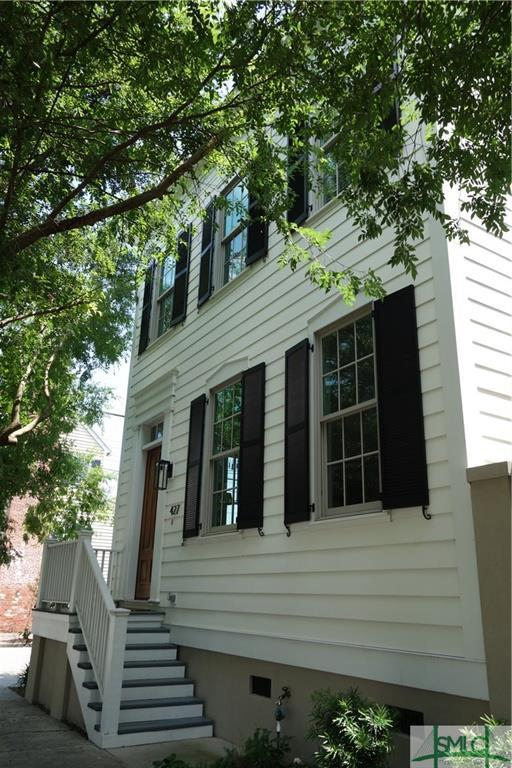 427 E President Street, Savannah, GA 31401 (MLS #190004) :: McIntosh Realty Team