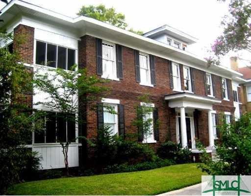 733 E Henry Street, Savannah, GA 31401 (MLS #190583) :: The Arlow Real Estate Group