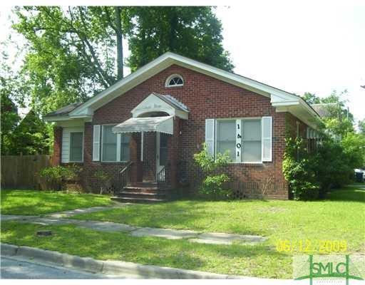 1401 E 51st Street, Savannah, GA 31404 (MLS #191977) :: The Arlow Real Estate Group