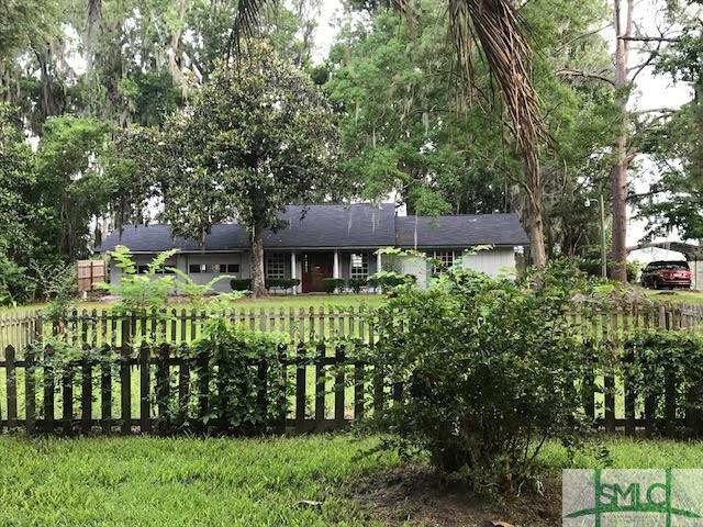 369 Lake Drive, Midway, GA 31320 (MLS #192284) :: Coastal Savannah Homes