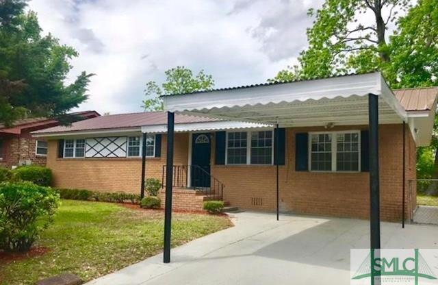 1916 Pendleton Street, Savannah, GA 31405 (MLS #193556) :: The Arlow Real Estate Group