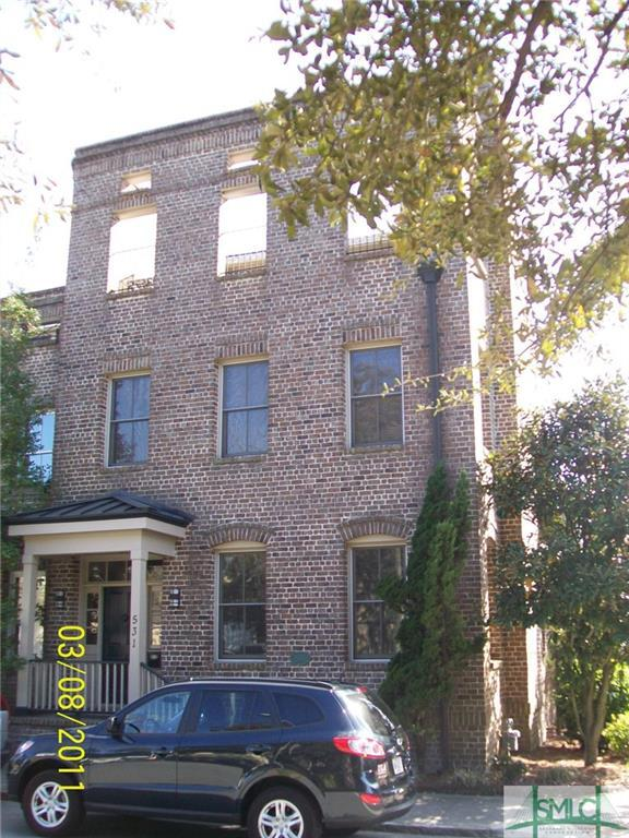 531 E Perry Street, Savannah, GA 31401 (MLS #194192) :: The Arlow Real Estate Group