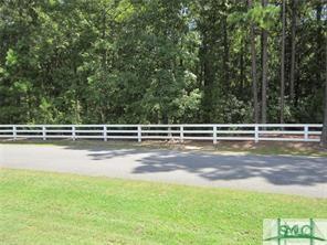64 Orchard Circle, Richmond Hill, GA 31324 (MLS #195299) :: Karyn Thomas